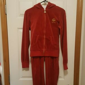 DEREON FLEECE TRACKSUIT MATCHING RED GOLD